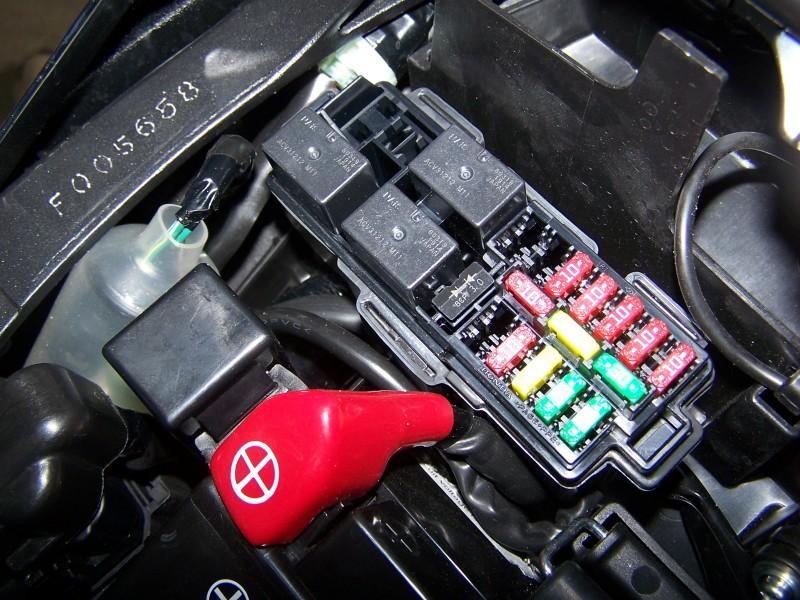 [Tutoriel] : Montage support de plaque + centrale clignos LED Cb100032