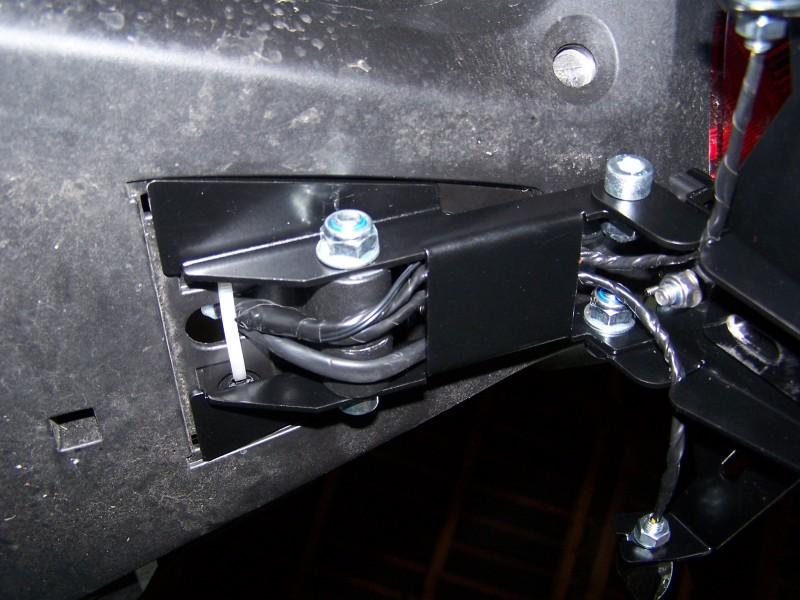 [Tutoriel] : Montage support de plaque + centrale clignos LED Cb100037