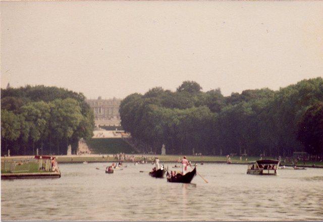 Les fêtes vénitiennes au château de Versailles Gondol10