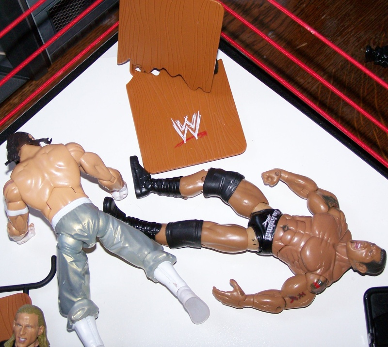 The Undertaker pose.... - Page 3 Raw_vs22