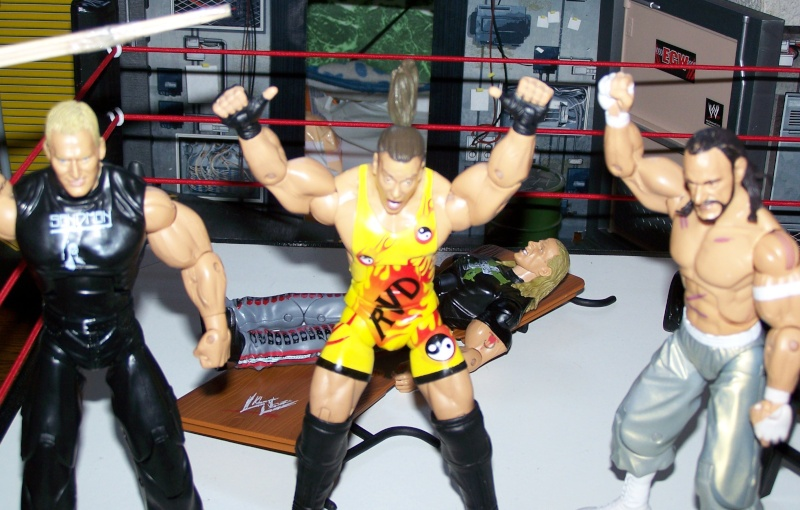 The Undertaker pose.... - Page 3 Raw_vs30