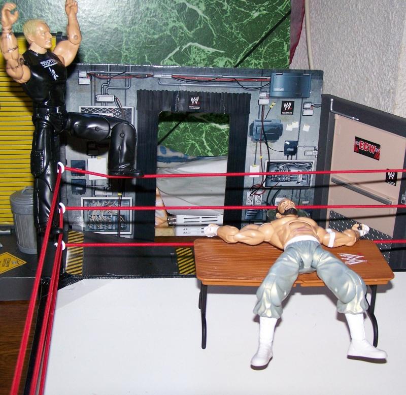 The Undertaker pose.... - Page 2 Sandma18