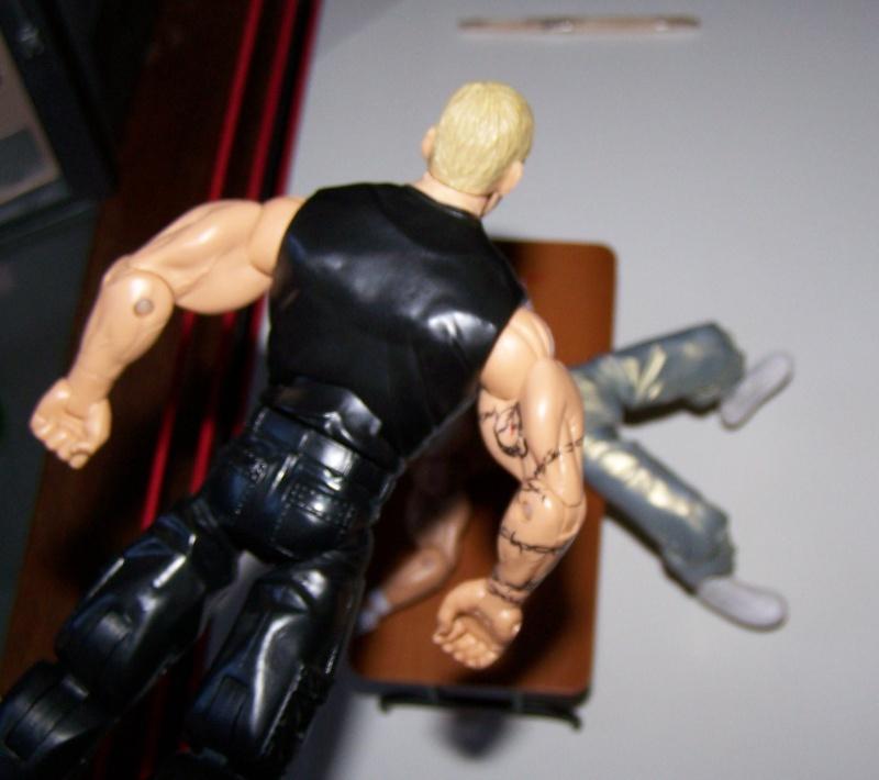 The Undertaker pose.... - Page 2 Sandma20