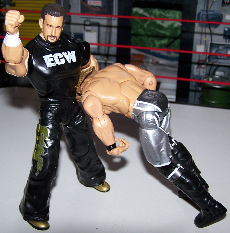 The Undertaker pose.... - Page 3 Tommy_12