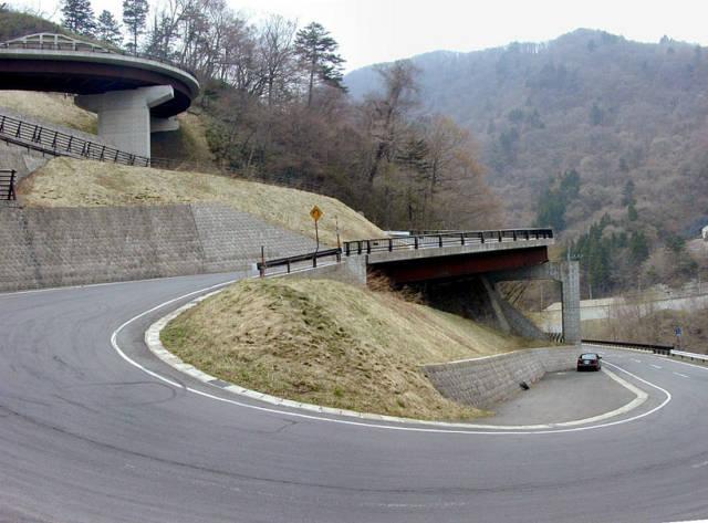 Moutain Roads of Japan Dscn2110