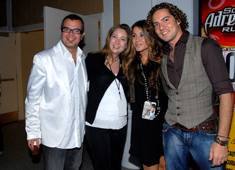 POZE CU DAVID BISBAL/ PHOTOS WITH DAVID BISBAL - Pagina 14 Fonsi_10