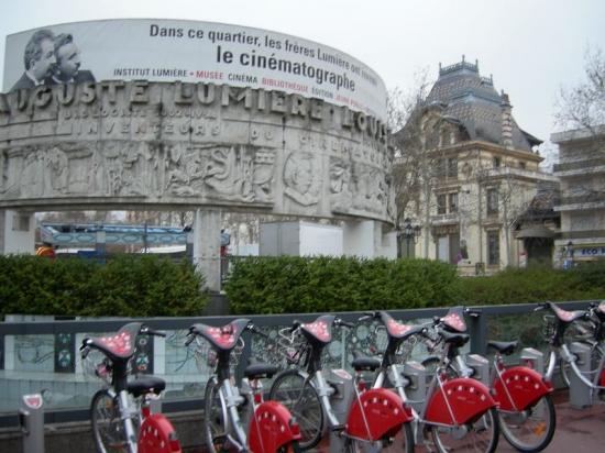 Institut Lumière, Cinémathèque de Lyon, France Velos-12