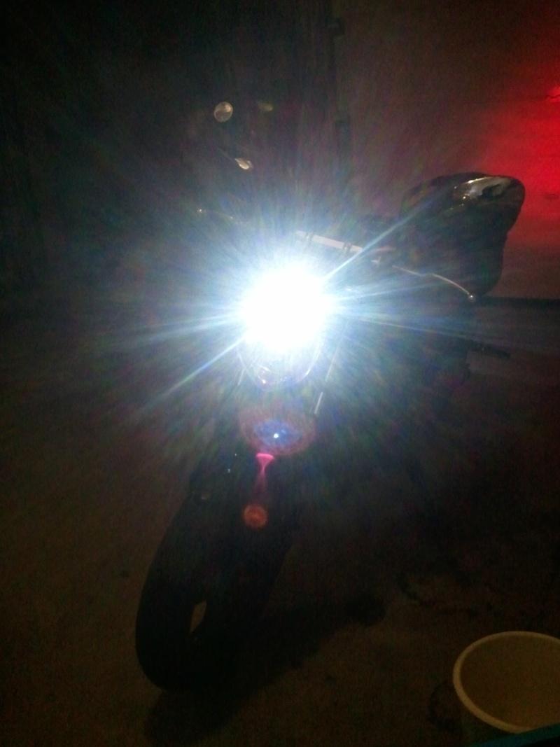 Ampoule veilleuse a led Photo073