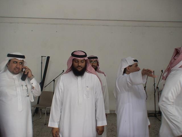 صور تكريم المدرسين الأفاضل لسنة 1431هـ (حفل التخرج) Dsc00615