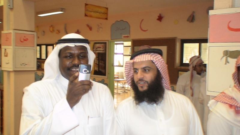 صور تكريم المدرسين الأفاضل لسنة 1431هـ (حفل التخرج) Dsc01020