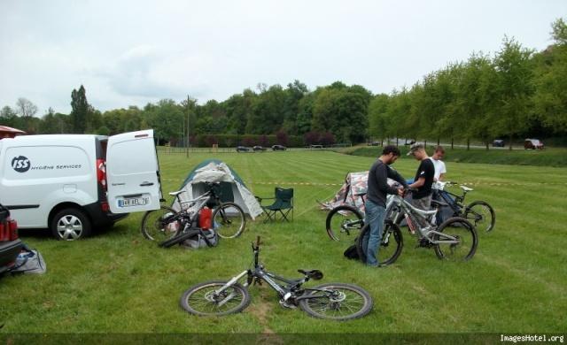 DH de St Just en Chaussée - 09 et 10 mai 2009 Camp_211