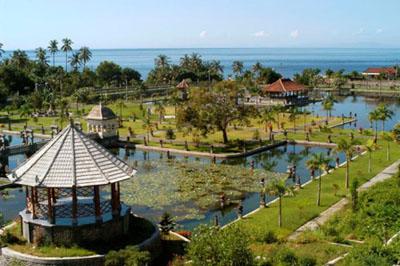 het waterpaleis Taman Ujung Bali_u11