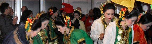'n dagje op de 1e Pasar Malam Indonesia in Den Haag, 01-04-2010 Sdc14018