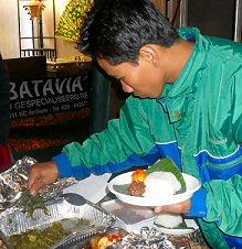 'n dagje op de 1e Pasar Malam Indonesia in Den Haag, 01-04-2010 Sdc14022