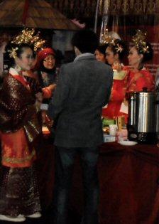 'n dagje op de 1e Pasar Malam Indonesia in Den Haag, 01-04-2010 Sdc14031