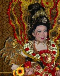 'n dagje op de 1e Pasar Malam Indonesia in Den Haag, 01-04-2010 Sdc14038