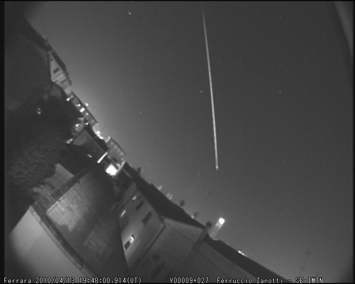 meteora clamorosamente lunga 130410 ore 194800UT M2010045