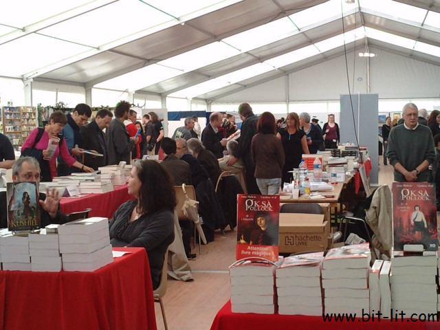 Parcourons les Imaginales 2010 P3005130