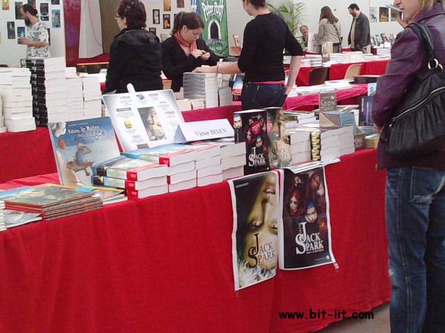 Parcourons les Imaginales 2010 P3005133