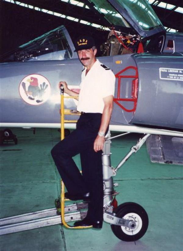 [Aéronavale divers] ÉTENDARD... - Page 3 1995_m10