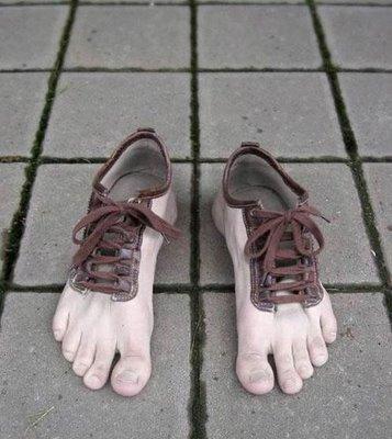 Sepatu-sepatu aneh! Sepatu14