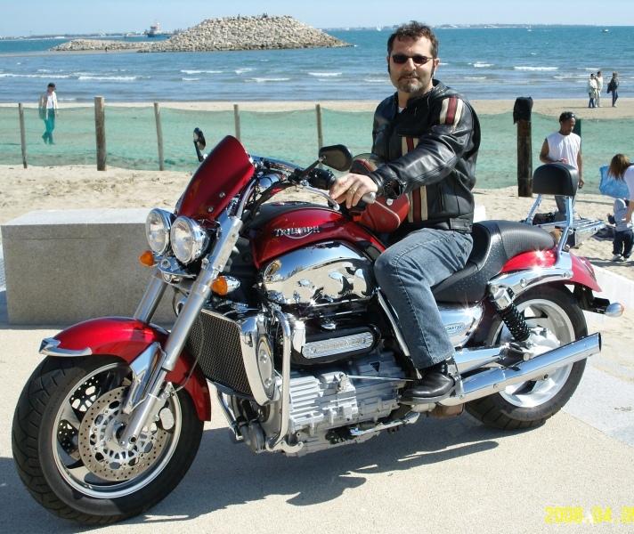 Essai comparatif motos Triumph Rocket 3 R et GT Img_0310