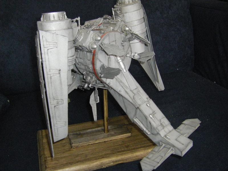 chasseur-bombardier et poubelle de l'espace Imgp6012