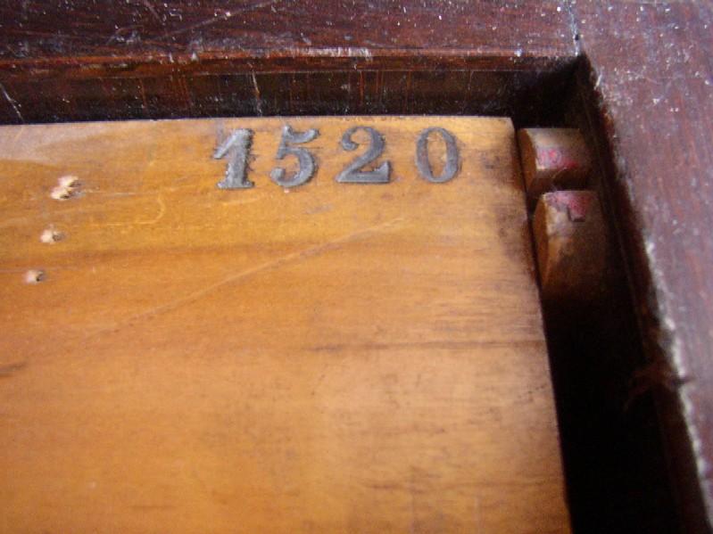 Debain n°1520 P1010019