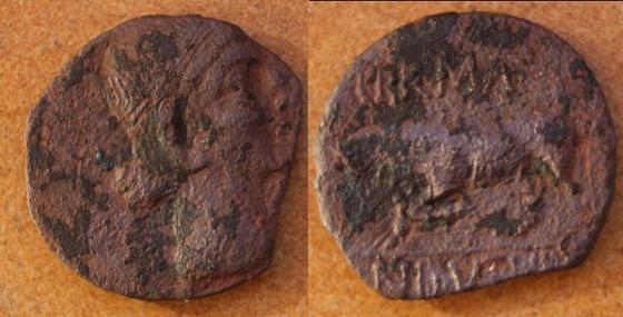 AE de tiempos de Augusto, acuñado en la Galia, por una tribu (Indutili). Massal10