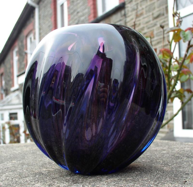 Beranek? purple bowl / vase P1010043