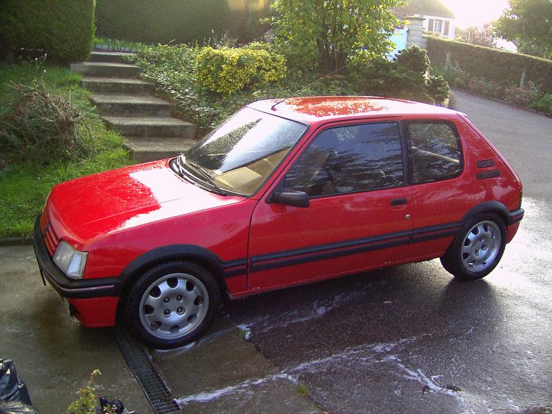 nos anciennes voiture 205gti10
