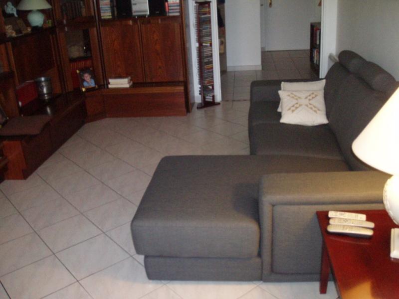 quelle table pour canapé d'angle... P1010017