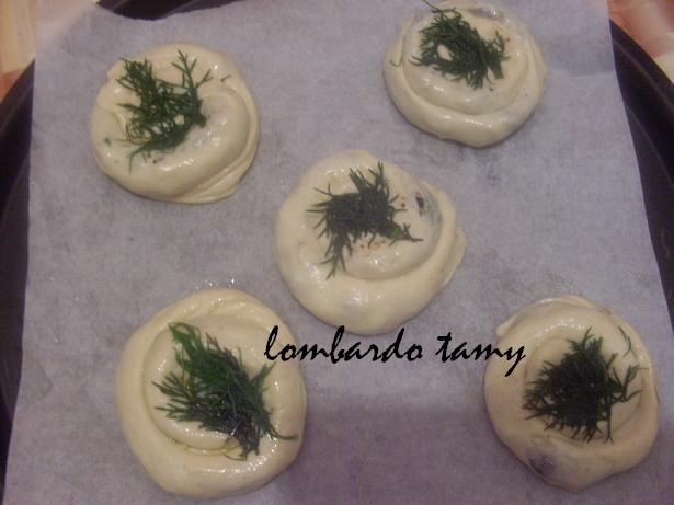 malloui au thon ,olives,et feuilles de fenouil (invente) Sdc12720