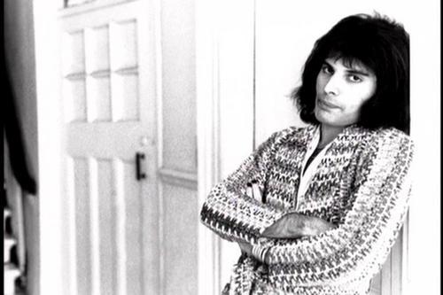 Photos de Freddie dans les années 1970 ! Freddi11
