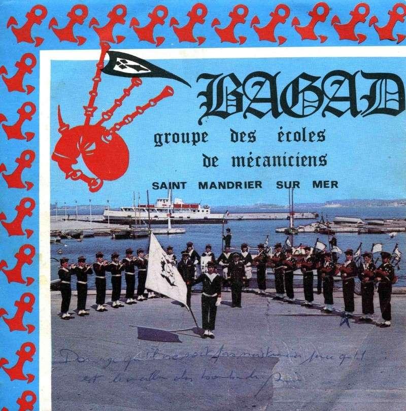 [Musique dans la Marine] Bagad St-Mandrier - Page 3 3_pier10