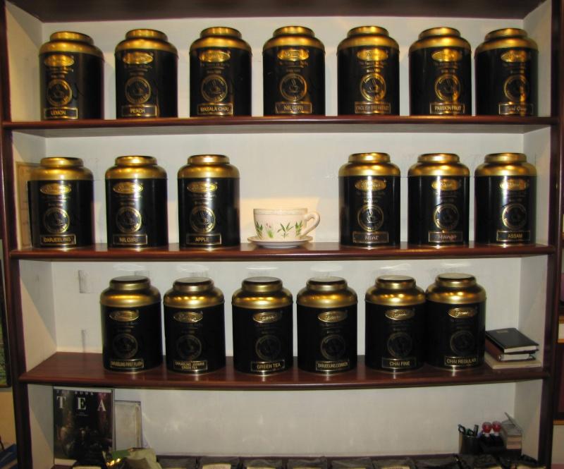 Au salon de thé... Img_0022