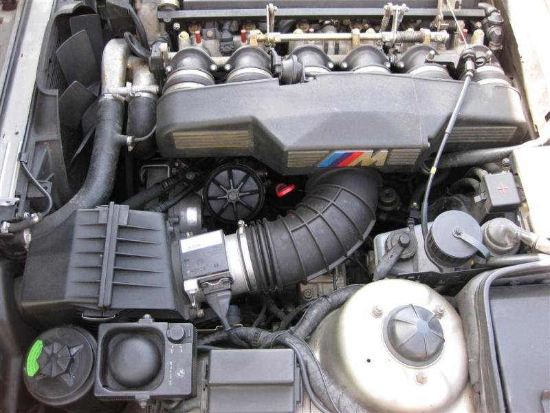 [E34 M5 1995] Ou se trouve le réservoir de DA (résolu) Photos10