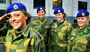 Femmes militaires Kvinne10