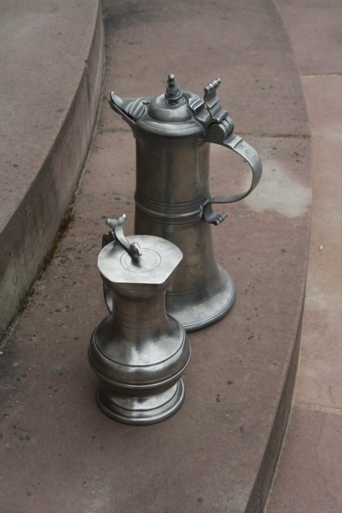 Les pichets en étain de la fête de la fontaine de Wangen Img_1012