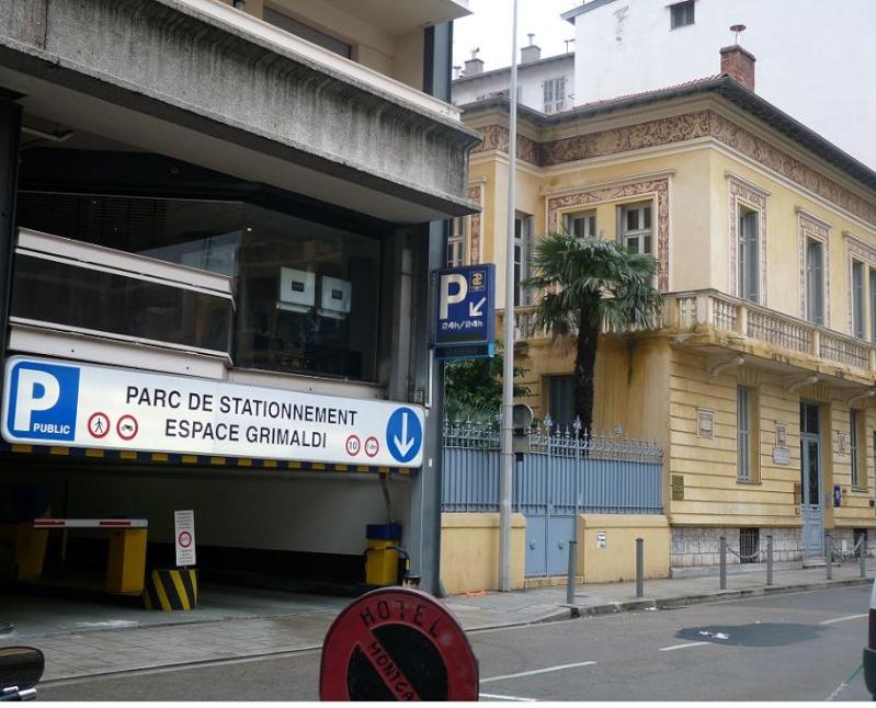 """UN PARFUM D"""" ITALIE :NISSA BELLA FAIT SON CARNAVAL DEVANT DES MERLUS DECON(FETTIS) FITS 1 A 0 - Page 2 P1060111"""