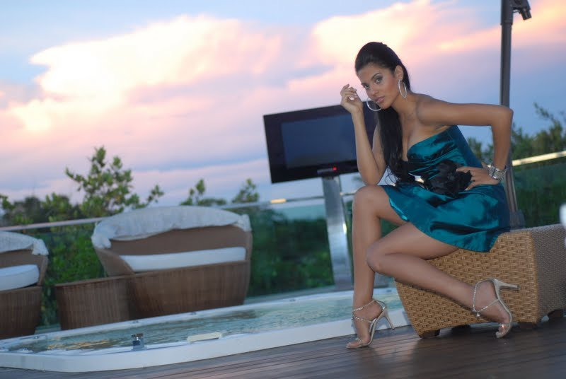 Official thread of Miss EARTH 2009 * Larissa Ramos (Brazil) - Page 2 Ogaaao12