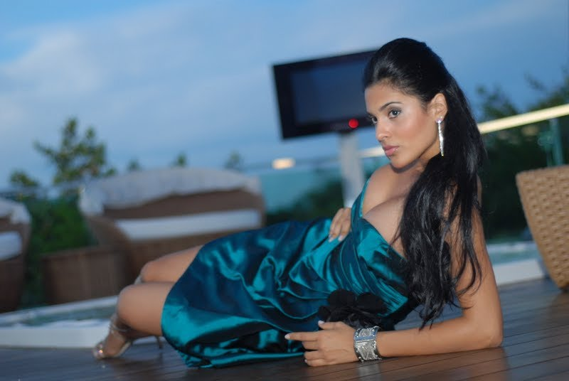 Official thread of Miss EARTH 2009 * Larissa Ramos (Brazil) - Page 2 Ogaaao13