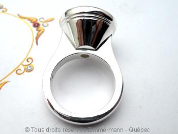 Une grosse bague argent avec un quartz fumé de 16 mm de diamètre Baaf0412