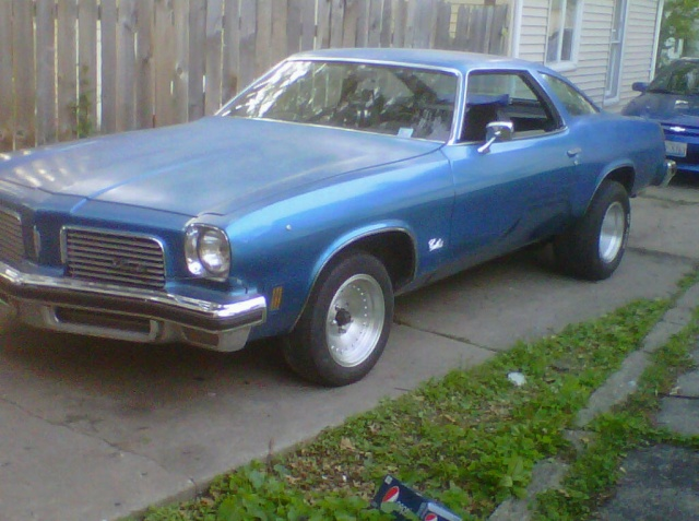 pics of olds with new wheels and new attitude Img00125