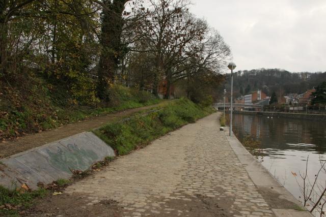 RAVeL 1 Centre (Part 5b) Tamines - Namur - Eurovelo 3 - Itinéraire n°6 - Page 2 Img_4117