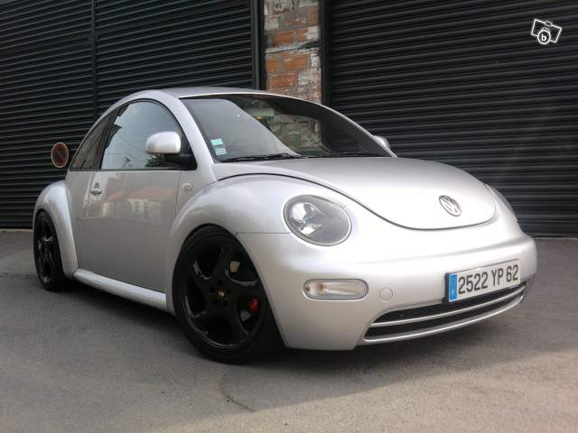 vw new beetle 28040810