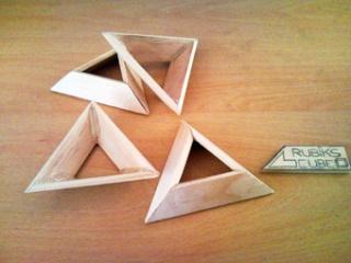 Socles en bois pour exposer vos Rubik's Cubes Snc00010