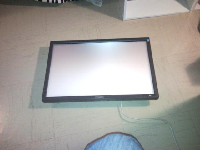 Donner une seconde vie a un ecran LCD cassé Snc00013