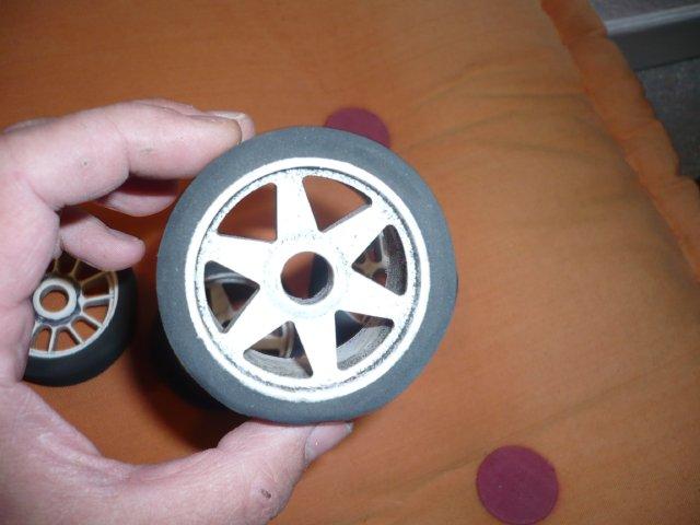 budget 0€ pour des pneus avant de piste 1/8 (par Chris 01) 117