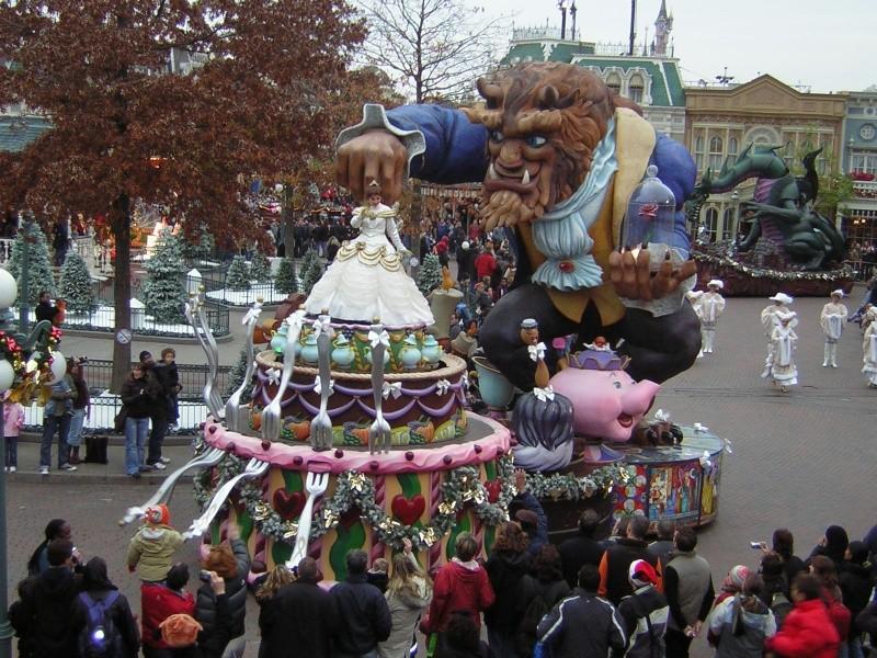 Anciens spectacles et parades de Disneyland Paris - Page 2 Dscn1711